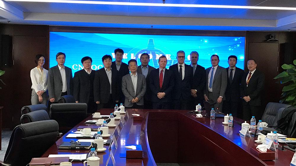SUEZ NWS et CNOOC Energy Technology lors de la signature de l'accord créant SUEZ NWS Environmental Management (Hainan) Company